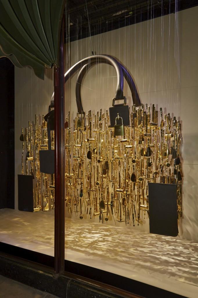 2018 Slingshot >> Bags of fun with Loewe at Harrods....